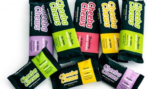 Après des années de succès avec leur taffy signature infusée au THC, Cheeba Chews s'est diversifiée cette semaine avec le lancement de ses produits à mâcher à base de CBD. Photo: Une collection de produits de chanvre Cheeba Chews aux saveurs variées.