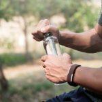 Qu'est-ce que l'eau CBD et devriez-vous la boire?
