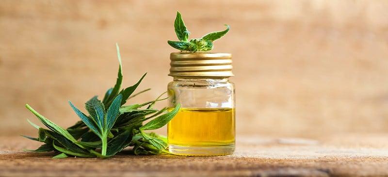 Avantages de l'huile de CBD - Dr. Axe